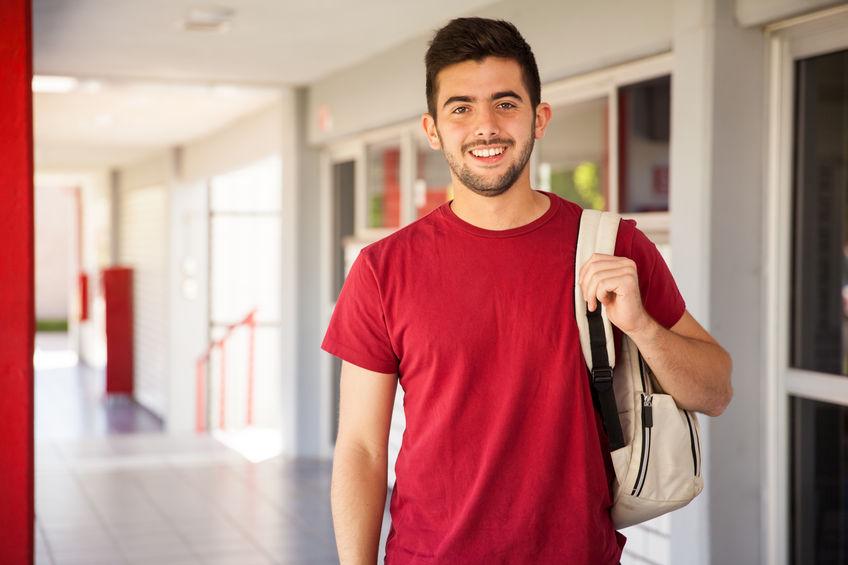 Imagen de un estudiante para la página sobre promociones especiales