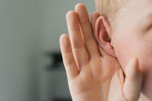 ¿Cuál es la diferencia entre «oír» y «escuchar»?